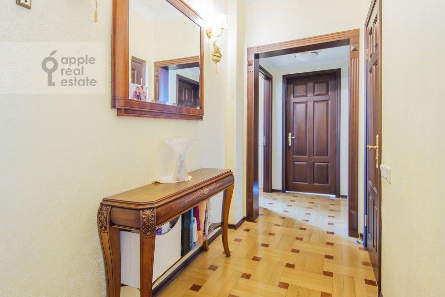 Corridor of the 4-room apartment at Zamorenova ul. 21