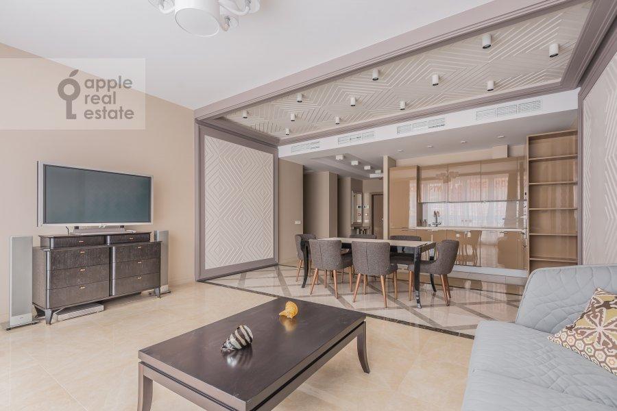 Living room of the 3-room apartment at Bogoslovskiy per. 12a