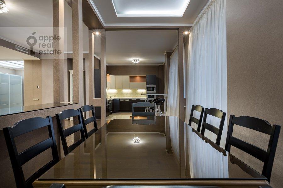 Кухня в 4-комнатной квартире по адресу Арбат Новый ул. 27