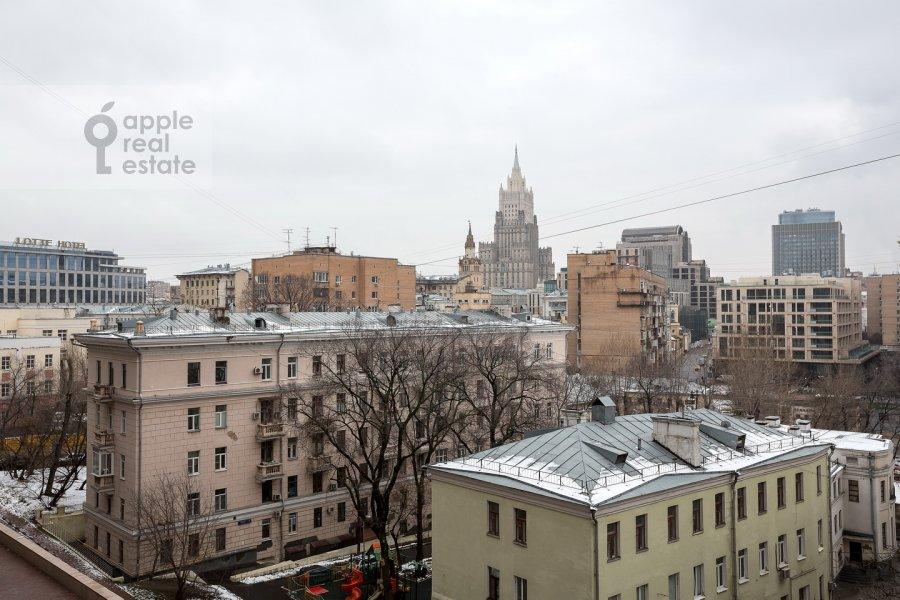 Вид из окна в 4-комнатной квартире по адресу Арбат Новый ул. 27
