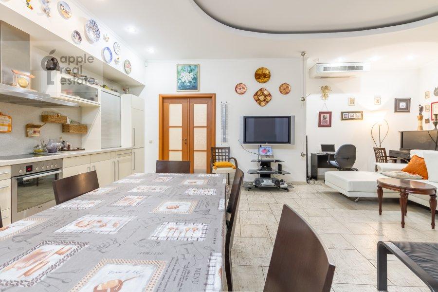 Living room of the 3-room apartment at Veskovskiy tupik 3