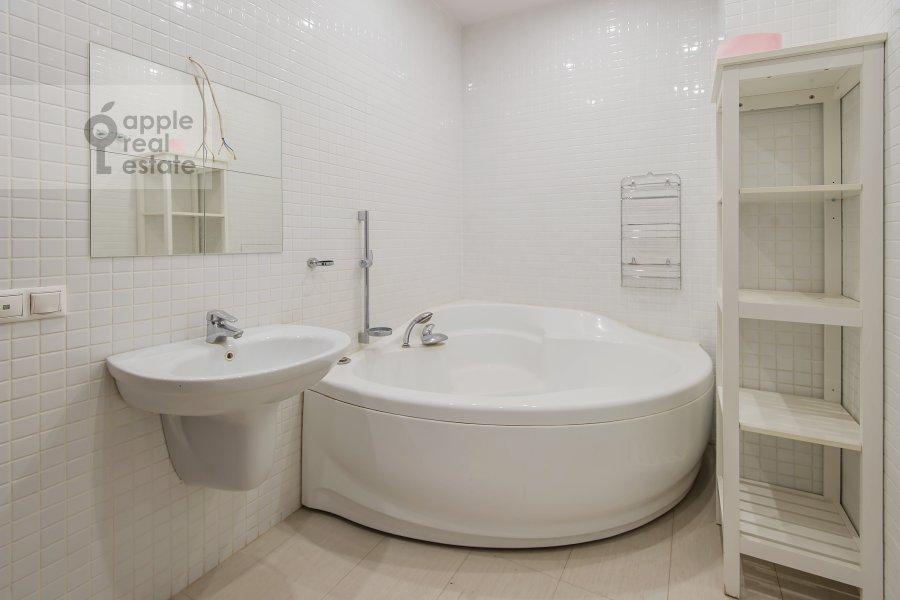 Bathroom of the 2-room apartment at Akademika Anokhina ul. 2k4