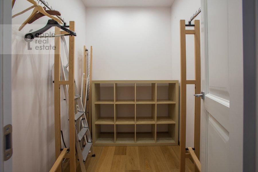 Walk-in closet / Laundry room / Storage room of the 2-room apartment at Bol'shoy Patriarshiy per. 8s1