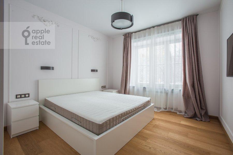 Bedroom of the 2-room apartment at Bol'shoy Patriarshiy per. 8s1