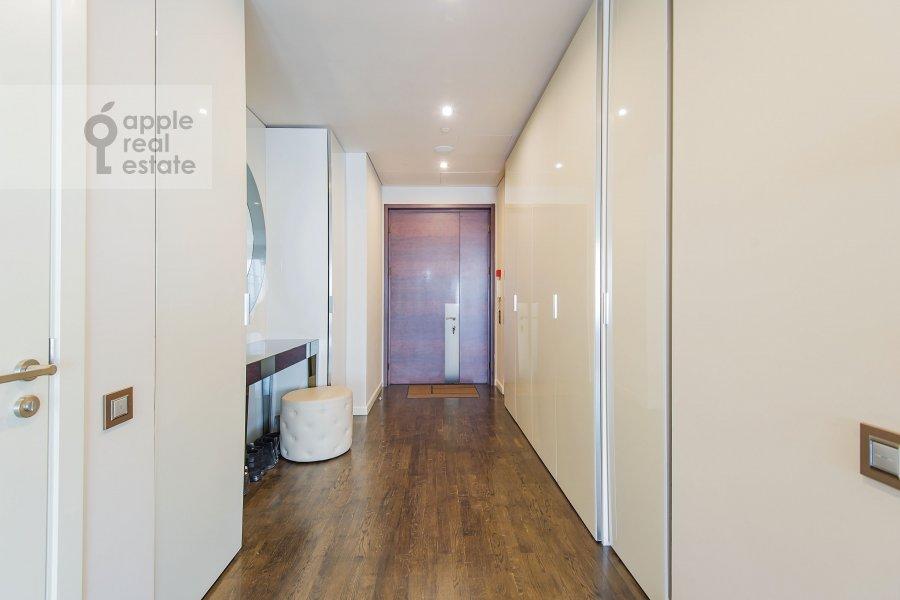 Corridor of the 3-room apartment at Presnenskaya naberezhnaya 8s1