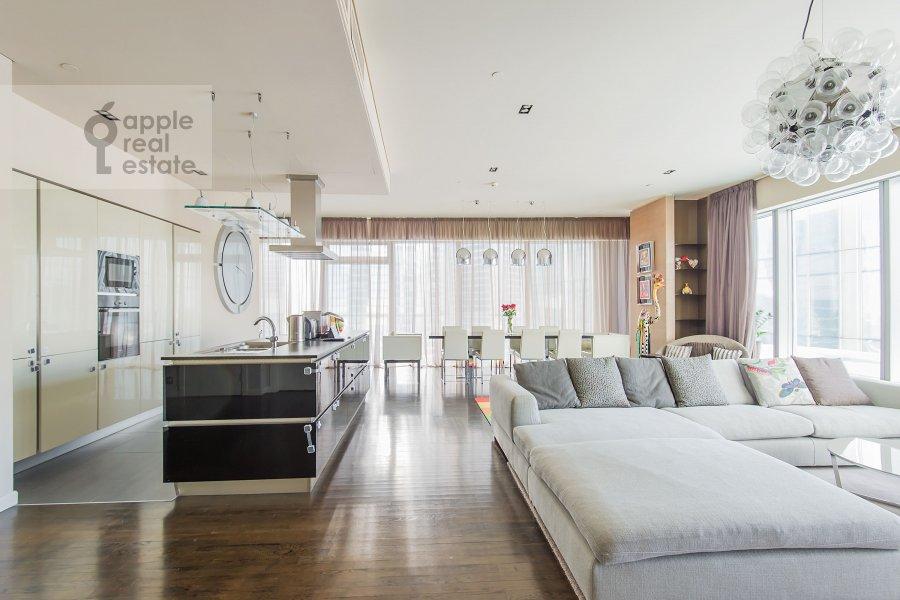 Living room of the 3-room apartment at Presnenskaya naberezhnaya 8s1