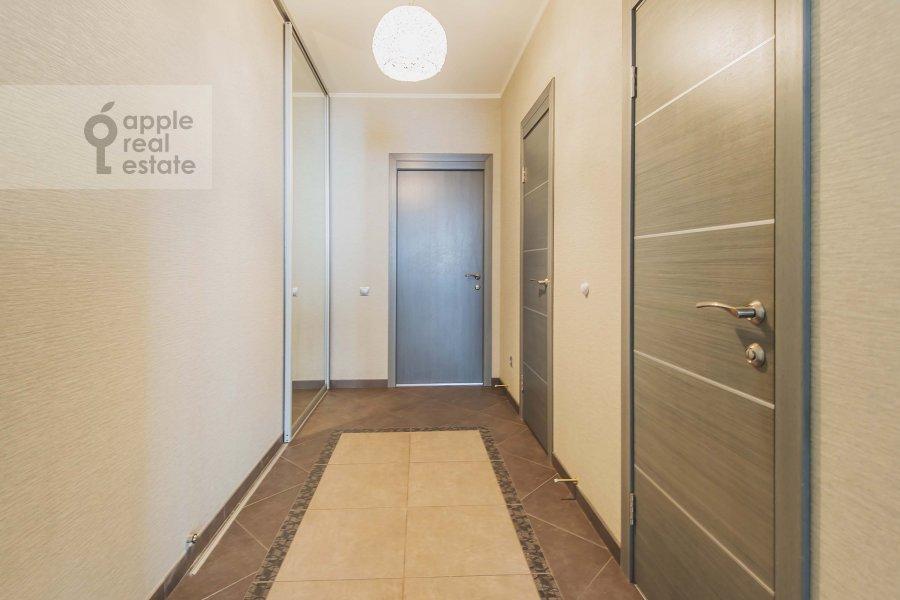 Corridor of the 4-room apartment at 1-y Nagatinskiy pr. 11k2