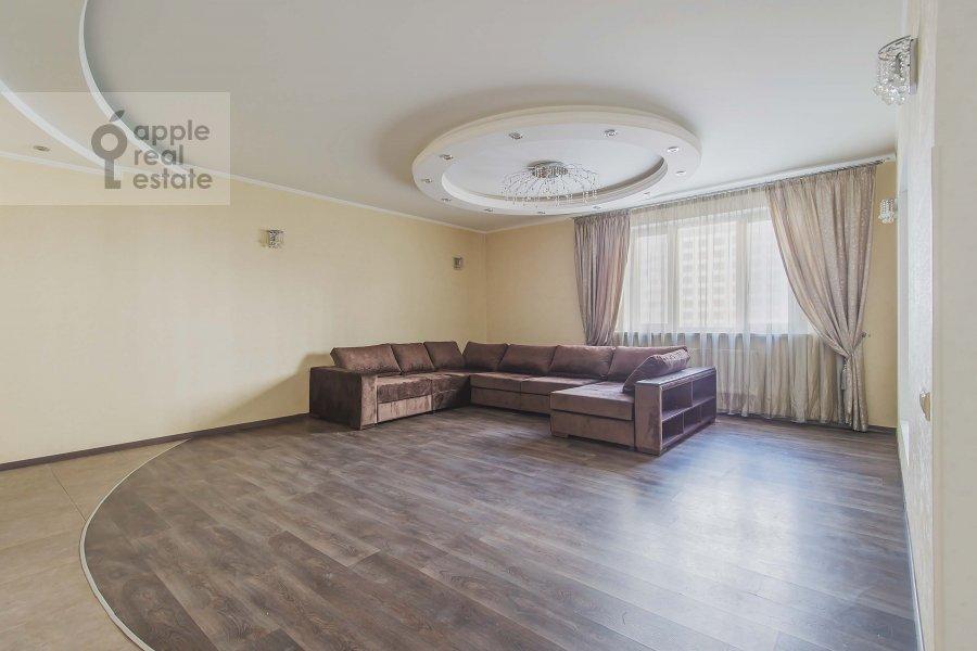 Living room of the 4-room apartment at 1-y Nagatinskiy pr. 11k2