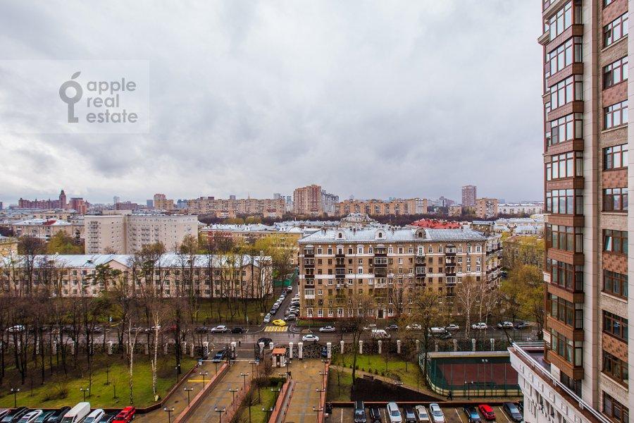 Вид из окна в 3-комнатной квартире по адресу Чапаевский пер. 3