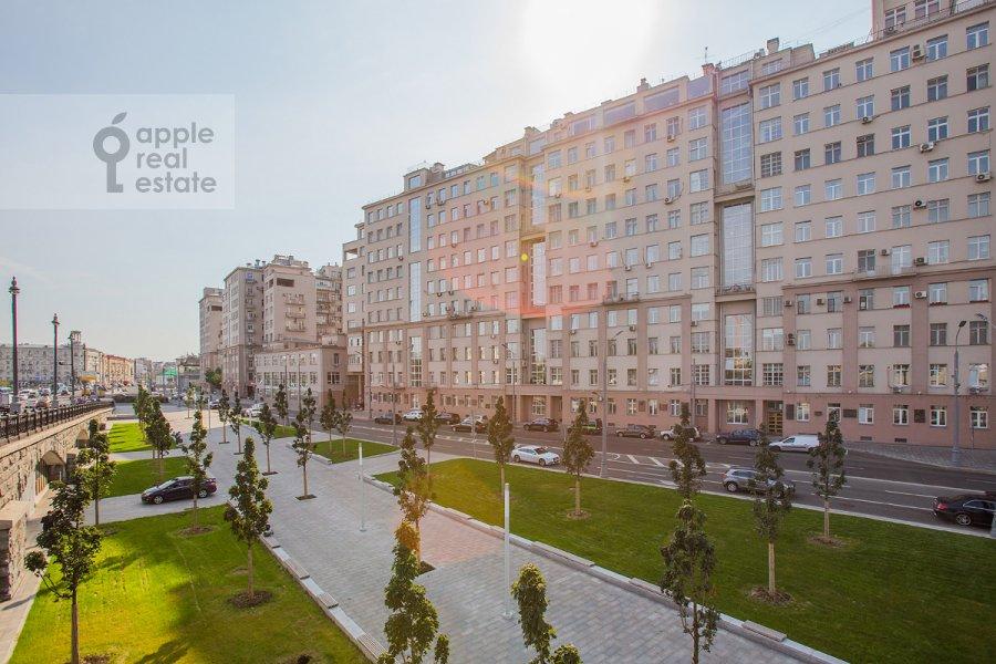Фото дома 4-комнатной квартиры по адресу Серафимовича 2