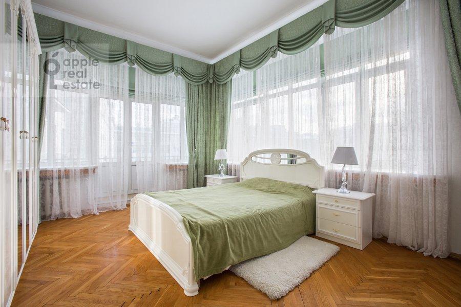Спальня в 4-комнатной квартире по адресу Серафимовича 2