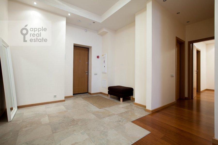 Corridor of the 3-room apartment at Khlynovskiy tupik 4