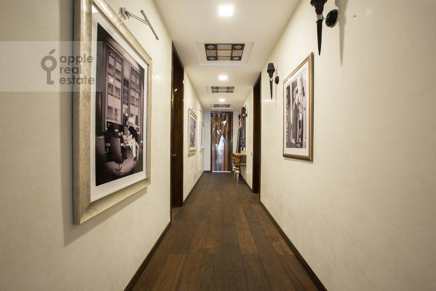 Коридор в 3-комнатной квартире по адресу Бутиковский пер. 3