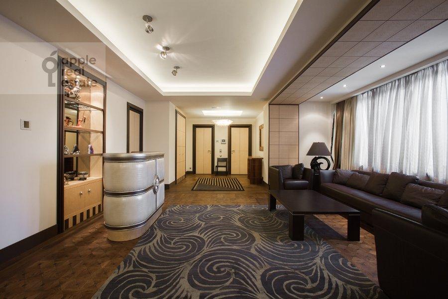 Гостиная в 4-комнатной квартире по адресу 2-я Фрунзенская улица 12