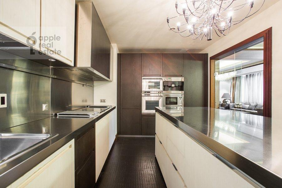 Кухня в 4-комнатной квартире по адресу 2-я Фрунзенская улица 12
