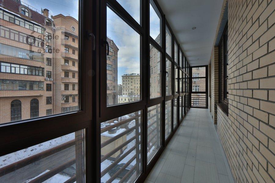 Балкон / Терраса / Лоджия в 4-комнатной квартире по адресу Руновский переулок 10с1