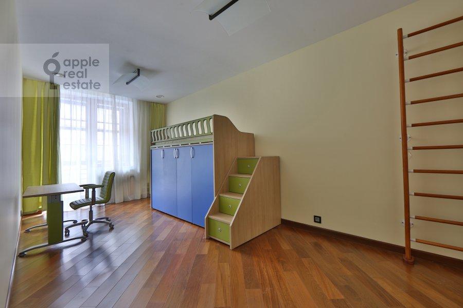 Детская комната / Кабинет в 4-комнатной квартире по адресу Руновский переулок 10с1