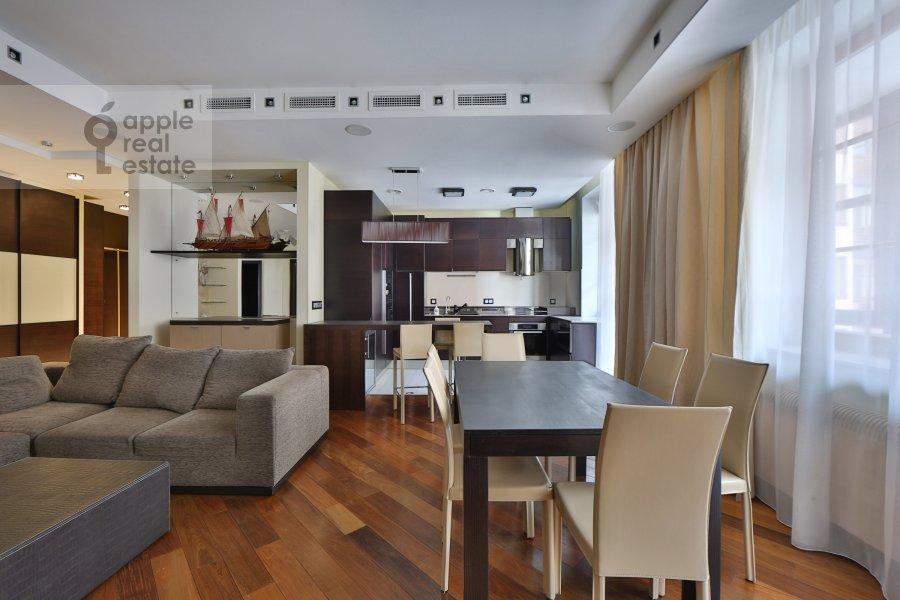 Гостиная в 4-комнатной квартире по адресу Руновский переулок 10с1