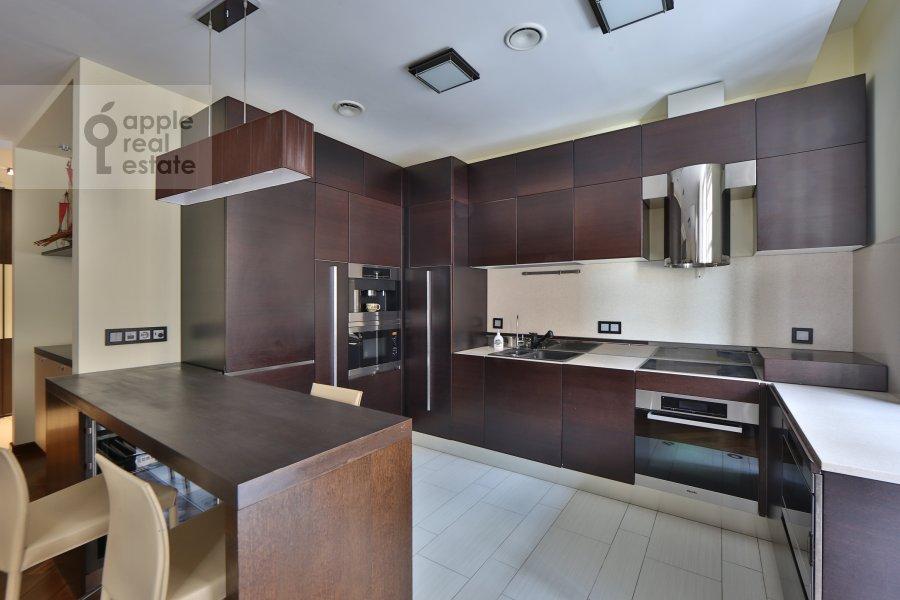 Кухня в 4-комнатной квартире по адресу Руновский переулок 10с1