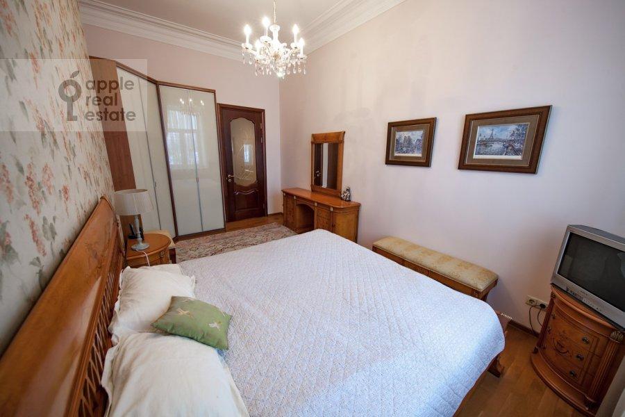 Bedroom of the 2-room apartment at Trubnikovskiy pereulok 26s1