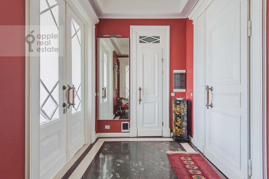 Corridor of the 3-room apartment at Kotel'nicheskaya naberezhnaya 1/15