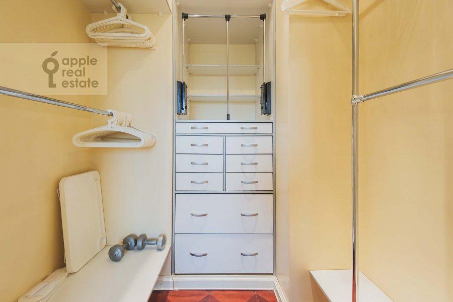 Walk-in closet / Laundry room / Storage room of the 3-room apartment at Kotel'nicheskaya naberezhnaya 1/15