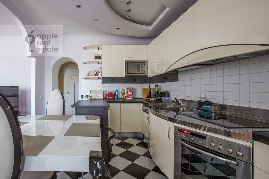 Kitchen of the 3-room apartment at Protochnyy pereulok 11