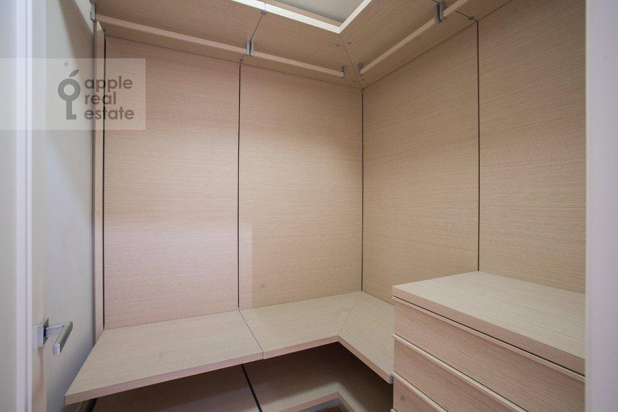 Гардеробная комната / Постирочная комната / Кладовая комната в 2-комнатной квартире по адресу Богословский пер. 12А