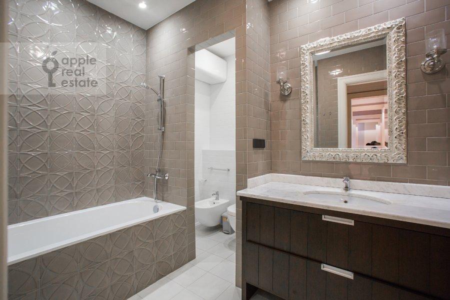Санузел в 2-комнатной квартире по адресу Богословский пер. 12А