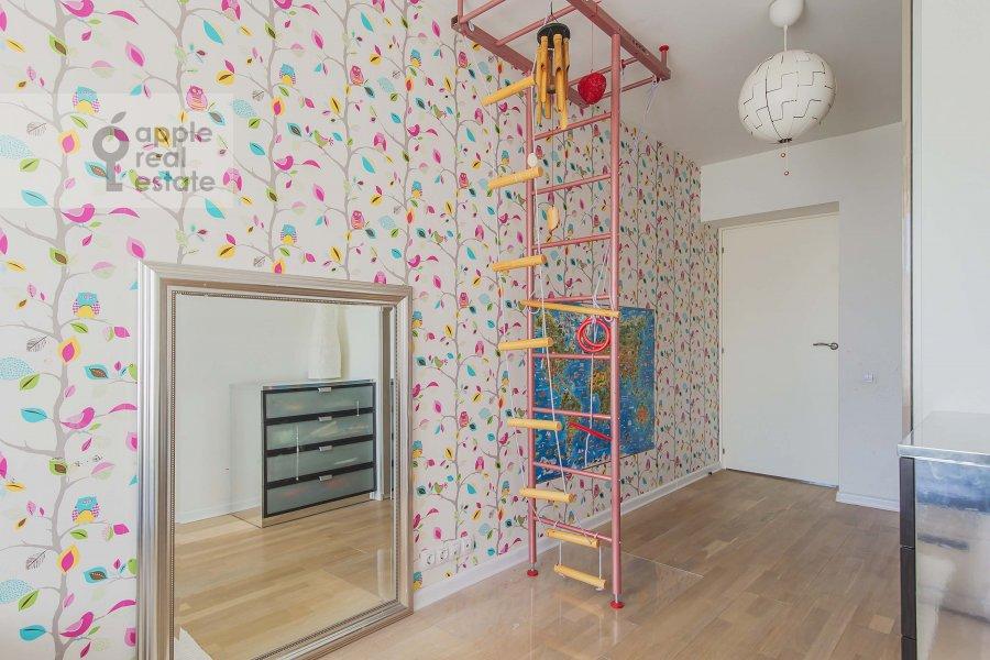 Детская комната / Кабинет в 3-комнатной квартире по адресу Комсомольский проспект 19