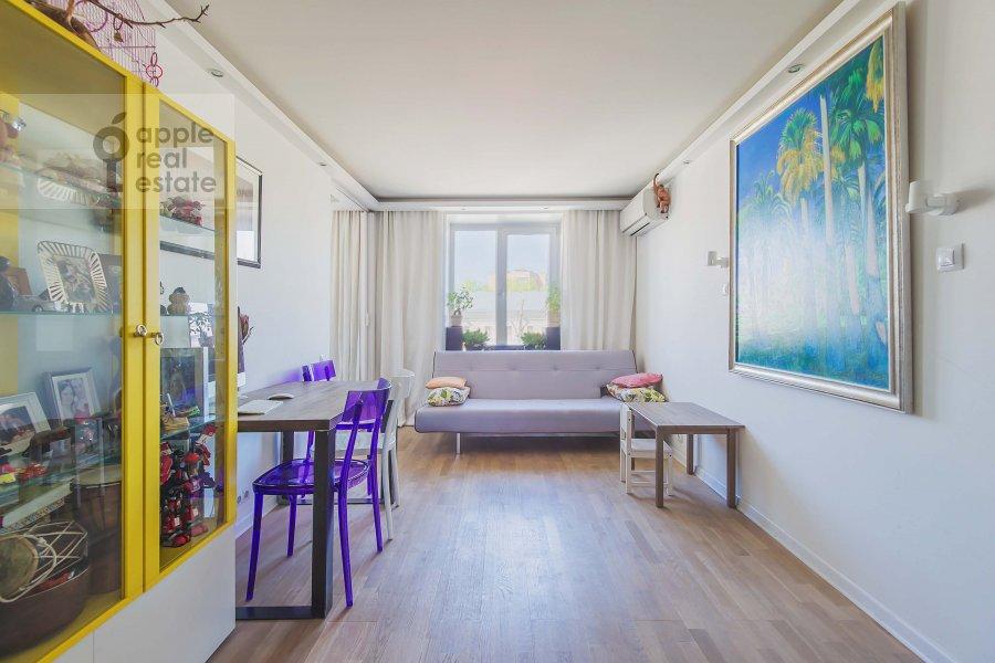 Гостиная в 3-комнатной квартире по адресу Комсомольский проспект 19