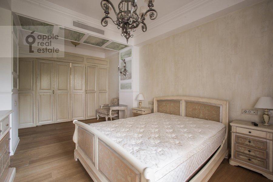 Спальня в 3-комнатной квартире по адресу Малый Козихинский переулок 14