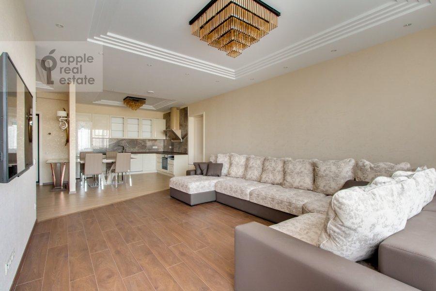 Living room of the 4-room apartment at Novoyasenevskiy pr-t 9