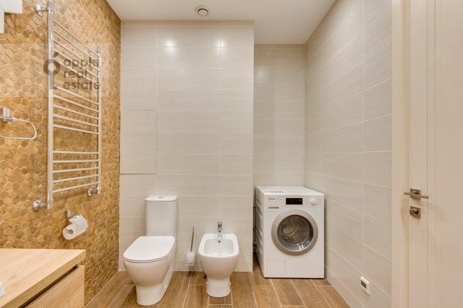 Bathroom of the 4-room apartment at Novoyasenevskiy pr-t 9