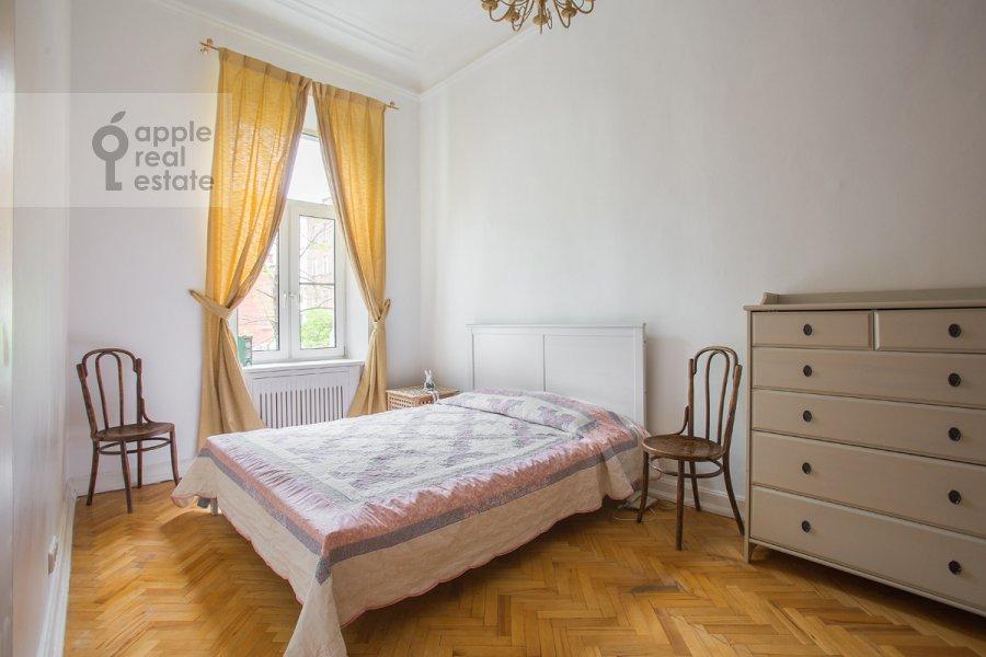 Спальня в 4-комнатной квартире по адресу Старосадский пер. 7/10с8