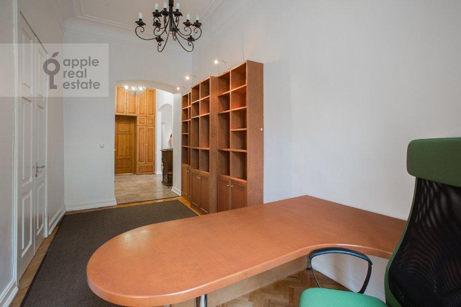 Children's room / Cabinet of the 4-room apartment at Starosadskiy per. 7/10s8