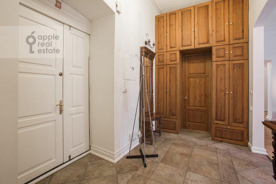 Corridor of the 4-room apartment at Starosadskiy per. 7/10s8