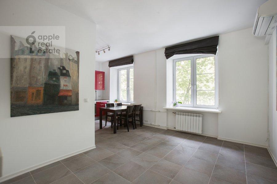 Living room of the 3-room apartment at Leninskiy pr-t. 74