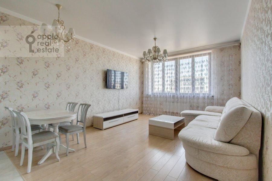 Living room of the 2-room apartment at Profsoyuznaya ul. 64k2
