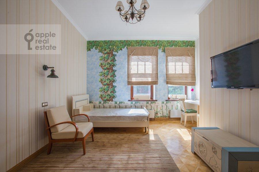 Спальня в 5-комнатной квартире по адресу Лаврушинский пер. 11к1