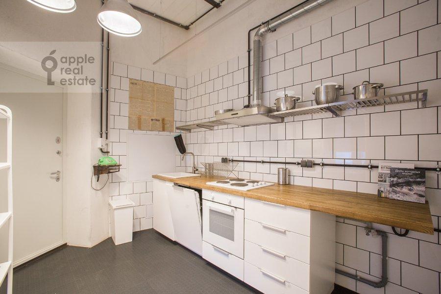 Kitchen of the 4-room apartment at Merzlyakovskiy pereulok 15