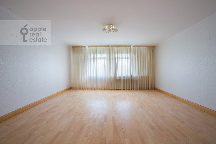 Гостиная в 4-комнатной квартире по адресу Голиковский пер. 15