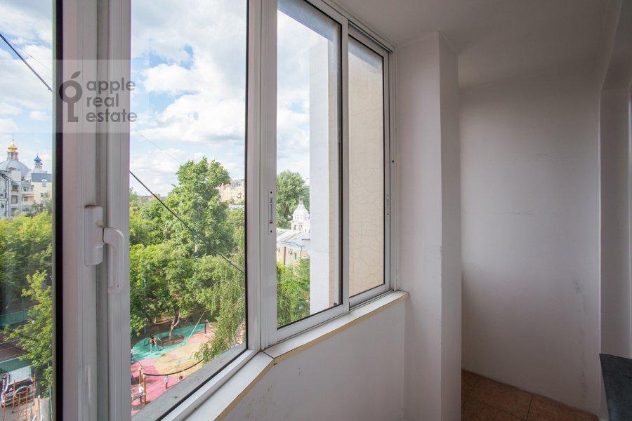 Балкон / Терраса / Лоджия в 4-комнатной квартире по адресу Голиковский пер. 15