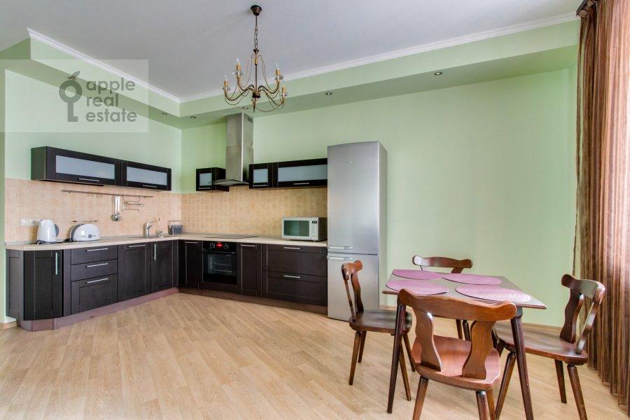 Кухня в 3-комнатной квартире по адресу Ленинский  пр-т. 96