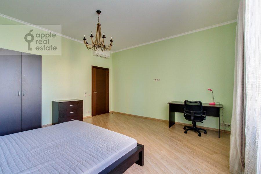 Спальня в 3-комнатной квартире по адресу Ленинский  пр-т. 96