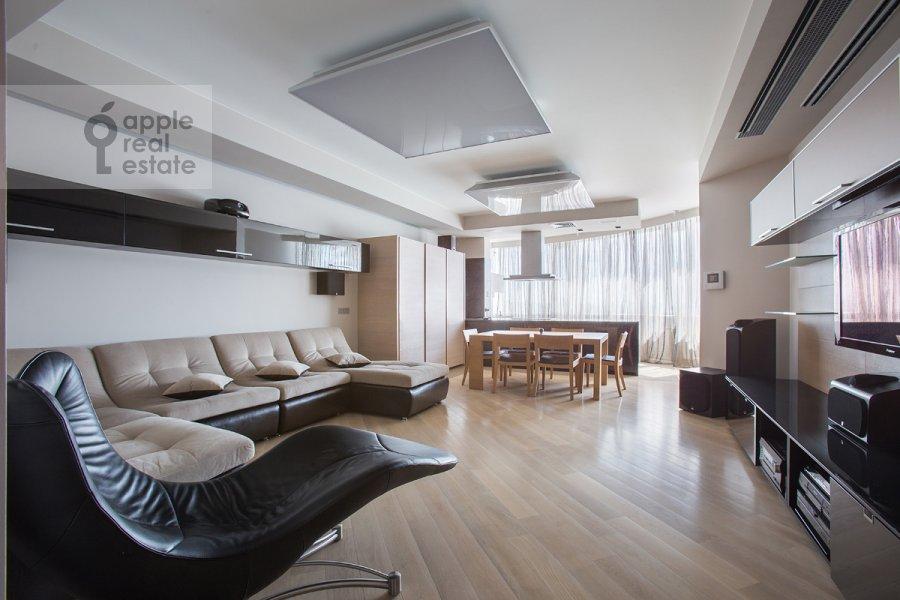Гостиная в 4-комнатной квартире по адресу Ленинский  пр-т. 116к1
