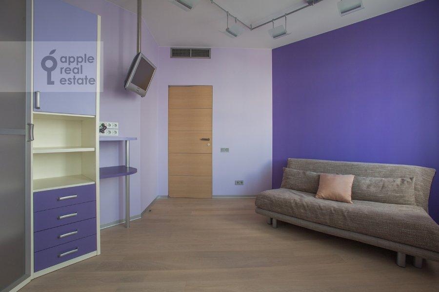 Детская комната / Кабинет в 4-комнатной квартире по адресу Ленинский  пр-т. 116к1