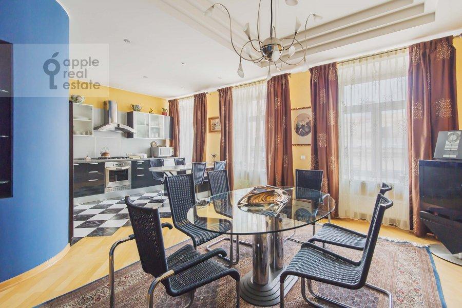 Kitchen of the 4-room apartment at Ostozhenka 7