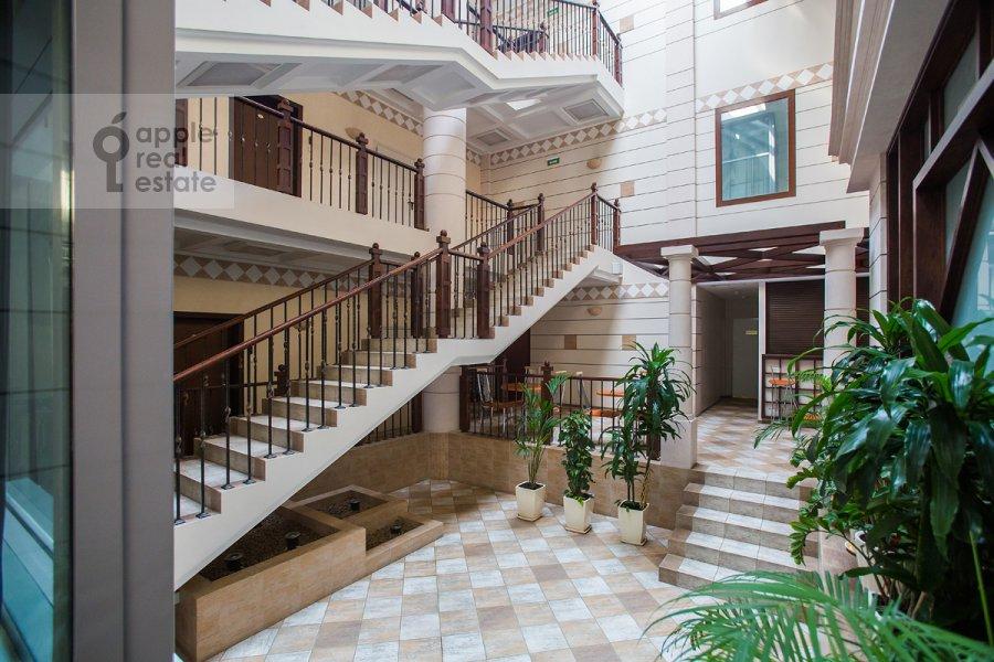Photo of the house of the 4-room apartment at Ordynka Bol'shaya ul. 16