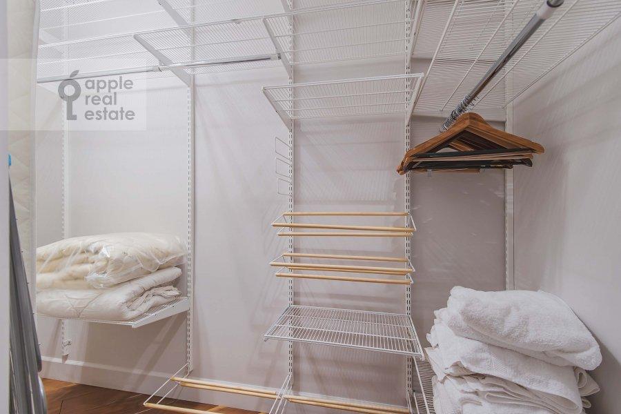 Walk-in closet / Laundry room / Storage room of the 3-room apartment at Profsoyuznaya ulitsa 64k2